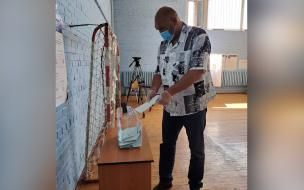 Николай Валуев приехал в Петербург для участия в голосов...