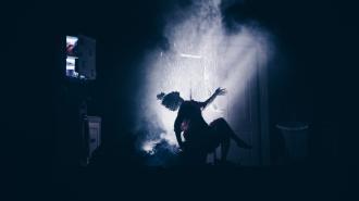 Анна Музыченко (The Hatters) – о спектакле Bathroom