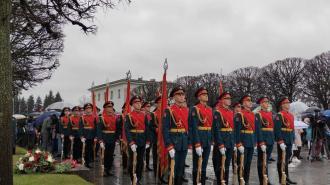 На Пискаревском кладбище почтили память павших в Великой Отечественной войне