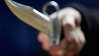 В Ленобласти пьяный безработный напал на знакомую с ножом