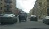 ДТП по-петербуржски: карета врезалась в иномарку на Миллионной улице