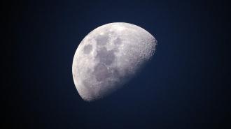 Дональд Трамп подписал указ о праве США использовать ресурсы Луны