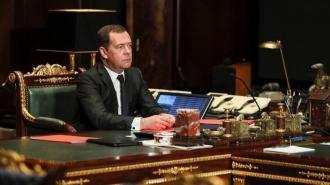 Медведев назвал нечестной борьбой введение Киевом санкций против Медведчука