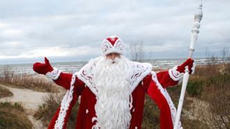 Дед Мороз облачится в спортивный костюм, чтобы пробежать с олимпийским огнем