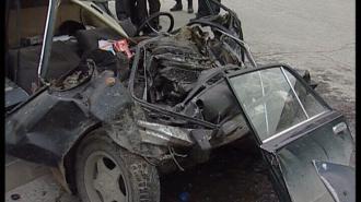 """Дай дорогу! После столкновения полицейского """"УАЗа Патриот"""" с """"ВАЗом"""" обе машины восстановлению не подлежат"""