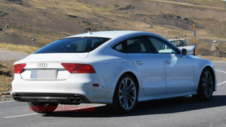 У жителя Петербурга с Ленской улицы украли Audi S7 за 4 млн рублей