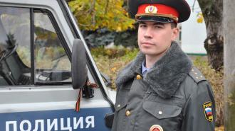 На проспекте Стачек гражданин набросился с кулаками на участкового