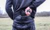 Мужчина с пистолетом ограбил продуктовый магазин в Купчино