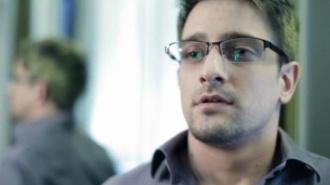 """Эдварда Сноудена наградили премией """"За достойный образ жизни"""""""