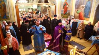 В московский храм ворвались вооруженные хулиганы