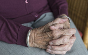 В Петербурге вводится режим принудительной домашней изоляции для пожилых