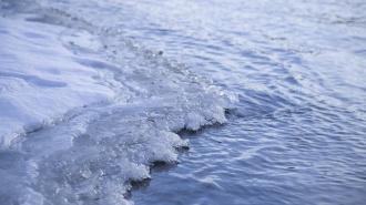 Под Саратовом 7-летняя девочка погибла, провалившись под неокрепший лед