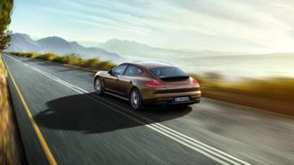 В Петербурге угнан роскошный Porsche Panamera за 10 млн рублей, которым управляла подруга ресторатора Мнацаканова