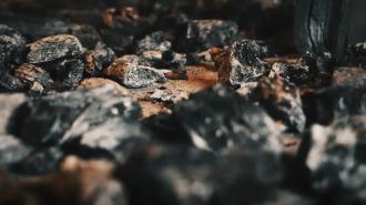 В Сланцевском районе загорелся склад сельскохозяйственного предприятия