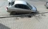 В Красноярске под припаркованной машиной провалился асфальт
