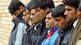 Чиновники посодействовали мигрантам в переселении в Петербург
