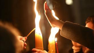 В храмы Петербурга и Ленобласти доставят Благодатный огонь