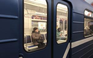 """Стартовала """"нерабочая неделя"""". В метро Петербурга заметили людей"""