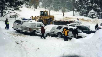 «День жестянщика» в Миссури: на шоссе столкнулись более 30 автомобилей