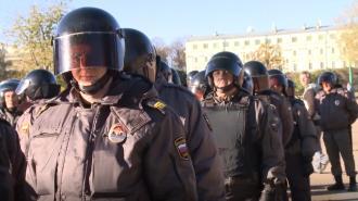 Кассирша похитила 32 млн рублей из петербургского автосалона