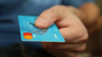 В России запустят сервис для снятия денег с чужих карт