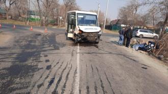 В Приморье мотоциклист погиб в ДТП с пассажирским автобусом