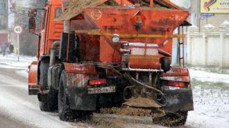 Депутат Госдумы предложил использовать против гололеда песок без добавок