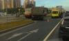 Трамвай оторвал кабину дерзкого самосвала вместе с водителем на улице Савушкина