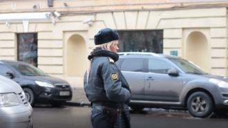 """Школьников и членов """"Единой России"""" вывели на улицу из-за сообщений о минировании"""