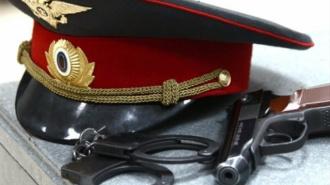 В Петербурге полицейский накинулся с ножом на коллегу