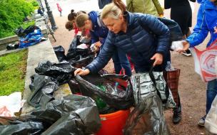 """Активисты движения """"ВторСбор"""" каждую последнюю субботу месяца принимают от выборжан сырьё на переработку"""