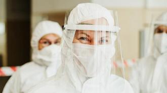 Биолог связала заболеваемость коронавирусом в РФ с погодными условиями