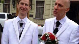 Петербургские гомосексуалисты вступали в законный брак перед гей-парадом