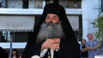 Греческий митрополит Серафим пригрозил отучить депутатов от церкви
