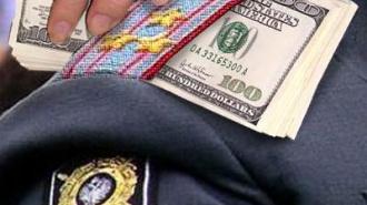 Медведев будет увольнять коррупционеров «в связи с утратой доверия»