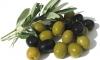 Итальянские оливки, фаршированные миндалем, стали причиной ботулизма