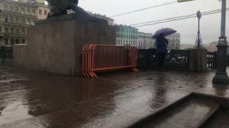 Вдоль Невского проспекта заготовлены заборы в преддверии несогласованного митинга