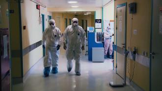 Доля тяжелых больных коронавирусом в стационарах Петербурга составляет 24%
