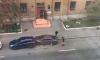 В Кировском районе иномарка протаранила две припаркованные машины и скрылась с места ДТП