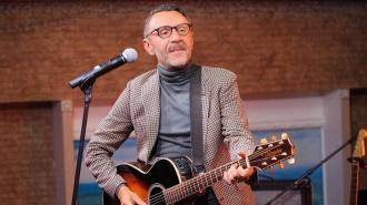 Шнуров прокомментировал скандал после концерта в Ростове