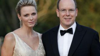 Князь Монако Альбер II и его жена Шарлен Уиттсток ждут двойню