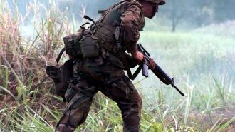 """Белоруссия заявила о """"круглосуточных"""" учениях иностранных войск у границ"""