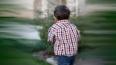 Заплаканный трехлетний мальчик гулял по Петербургу ...