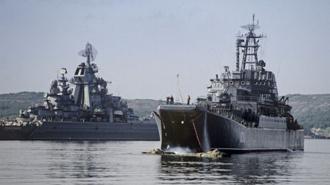 Северный флот проводит учения в Баренцевом море