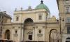 Любитель селфи, упавший с церкви на Невском, скончался в больнице
