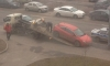 На Богатырском проспекте эвакуаторщик изуродовал Opel при погрузке