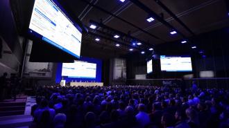 """""""Газпром"""" решил провести годовое собрание акционеров в Петербурге"""
