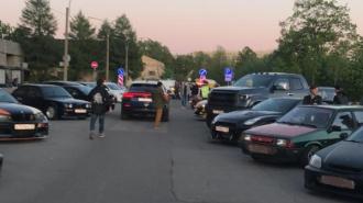 Стритрейсеров с Васильевского острова доставили в полицию