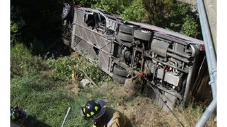 Трагедия в Боливии: 28 человек погибли при падении автобуса в пропасть