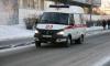 Льдина упала на 14-летнюю школьницу в центре Петербурга